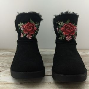Boots , woman's embroidered